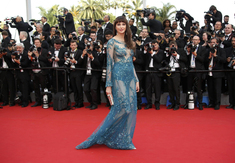 У бельгийской актрисы Фредерик Бель любимый цвет - синий