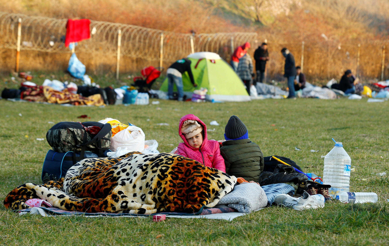 2020-03-07T062522Z_1872763249_RC2UEF9SU3CZ_RTRMADP_3_SYRIA-SECURITY-TURKEY-MIGRANTS