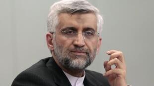 O negociador iraniano Saeed Jalili foi a Damasco reiterar o apoio do líder supremo Ali Khanemei  ao regime de Bachar al-Assad.