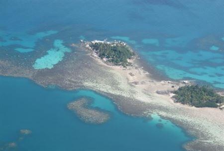 Quần đảo Natuna của Indonesia tại Biển Đông. Đường lưỡi bò của Trung Quốc đã liếm vào một vùng biển ở khu vực này, được Indonsia cho là thuộc chủ quyền của mình.