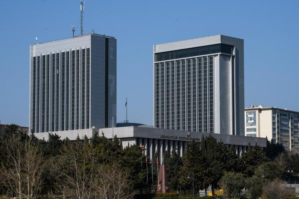 Здание Милли Меджлиса - парламента Азербайджана. Баку, 22 марта 2019 г.