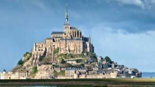 庆祝被联合国教科文组织例如世界遗产40周年圣米歇尔旅游局今年推出特殊游览活动