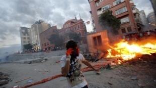 De violents affrontements ont opposé les forces de l'ordre à des manifestants dans le centre d'Istanbul, le 31 mai 2013.