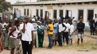 Dans un des bureaux de vote de Brazzaville ce 30 juillet 2017.