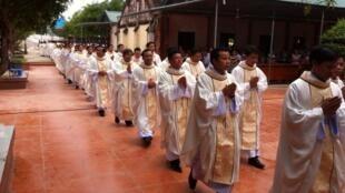 Thánh lễ ngày 16/09/2013 tại Đền thánh Antôn Trại Gáo, giáo xứ Mỹ Yên, thuộc giáo phận Vinh, Việt Nam.