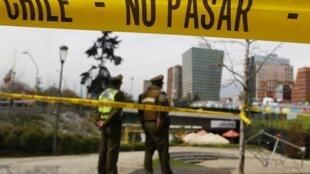 Uma bomba explodiu, nesta segunda-feira, no metrô de Santiago do Chile.