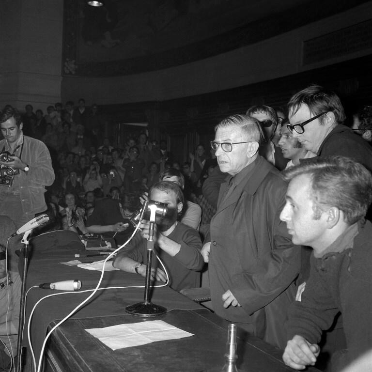 در ماه مه ۱۹۶۸، فرانسه شاهد یکی از بزرگترین تحولات اجتماعی بود، رویدادی که به گفته ژان پل سارتر، اتفاقی غیرقابل باور و تصور بود.