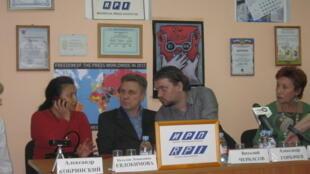 Пресс-конференция «Кому мешают Солдатские матери Санкт-Петербурга» 8 сентября 2014