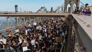 Manifestation à New York le 4 juin 2020, après la mort de George Floyd dix jours plus tôt (illustration).