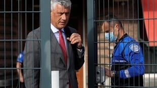 Le président du Kosovo Hashim Thaçi est accusé de crimes de guerre et de crimes contre l'humanité par la justice internationale de La Haye.