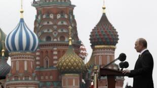 Власти России преследуют инакомыслие, выстраивая официальный исторический нарратив, в центре которого победа СССР во Второй мировой войне, говорится в докладе FIDH