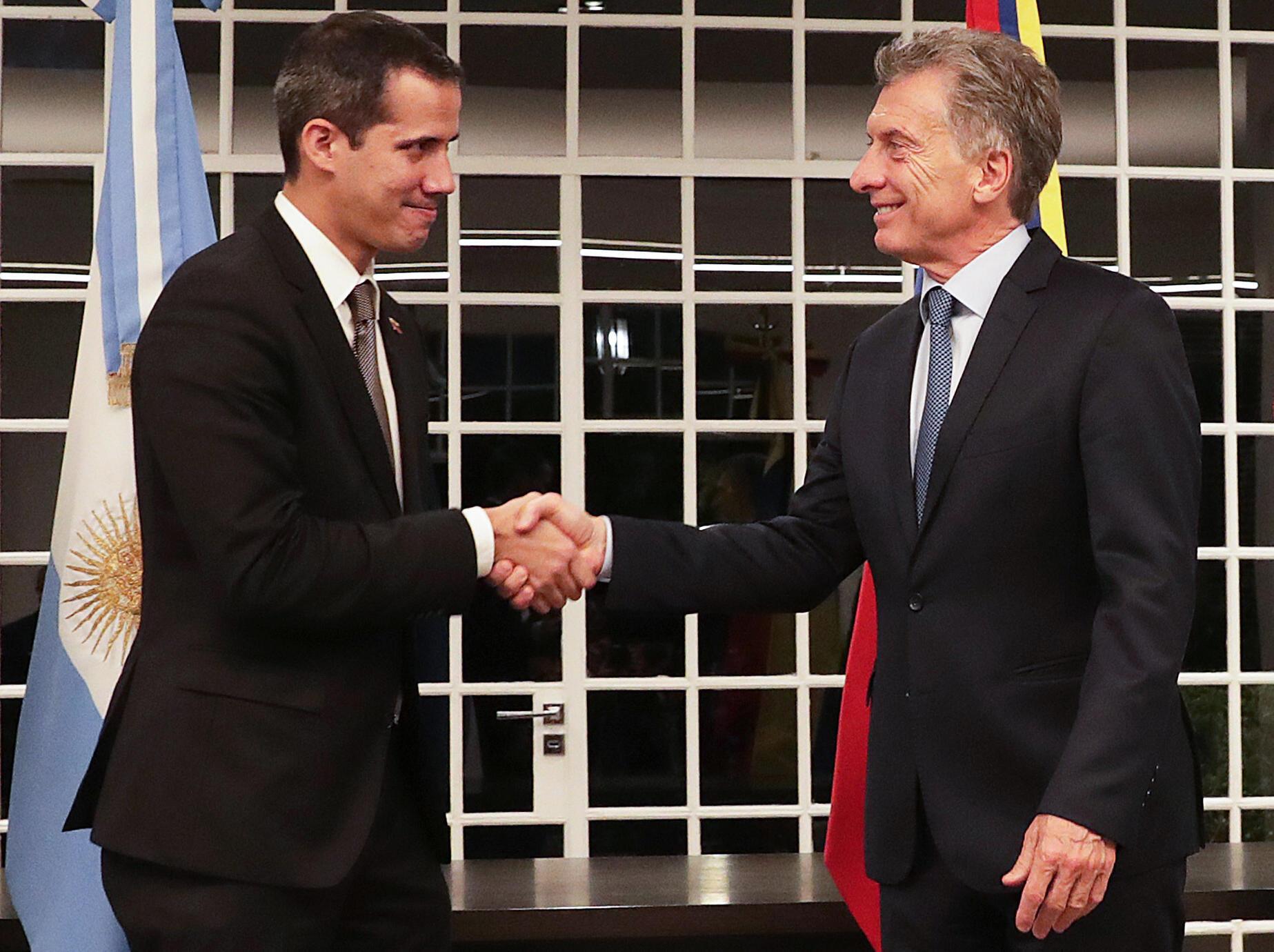 Juan Guaido con el presidente argentino Mauricio Macri en Buenos Aires, el primero de marzo, 2019.