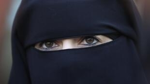 A woman wearing niqab