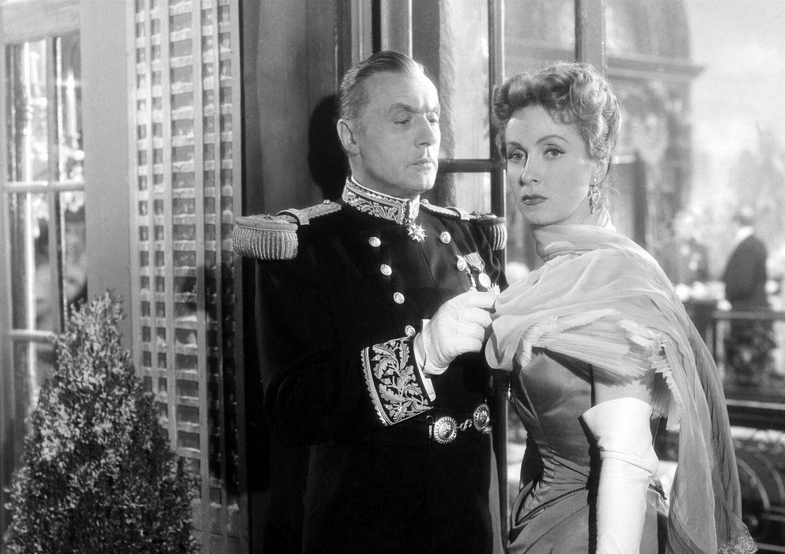 "Danielle Darrieux em ""Madame de..."", de Max Ophüls, em 1953."