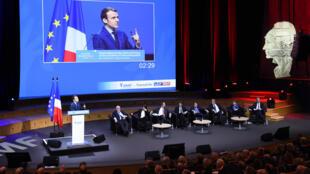 L'intervention d'Emmanuel Macron devant les maires de France a été la plus agitée, le 22 mars à Paris.