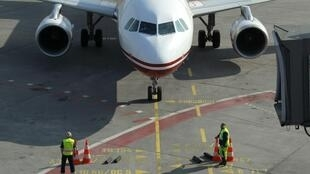 Giao thông hàng không tại phi trường Berlin đang được nối lại (Reuters/Thomas Peter )