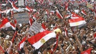 Les manifestants demandaient le jugement de l'ex-président Moubarak.