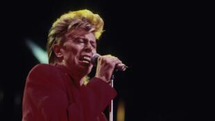 David Bowie dans un concert à New York en 1987.