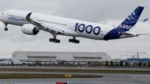 空客公司向卡塔爾航空公司交付了首架空客A350-1000 2018年2月20日