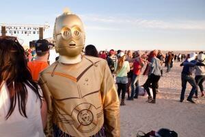 Participant at the Dunes Electroniques festival, 2019