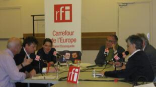 De g. à d. : Henri Weber, Joachim Umlauf, Laure Kaltenbach, Daniel Desesquelle, Costa Gavras, Nasrine Seraji-Bozorgzad.