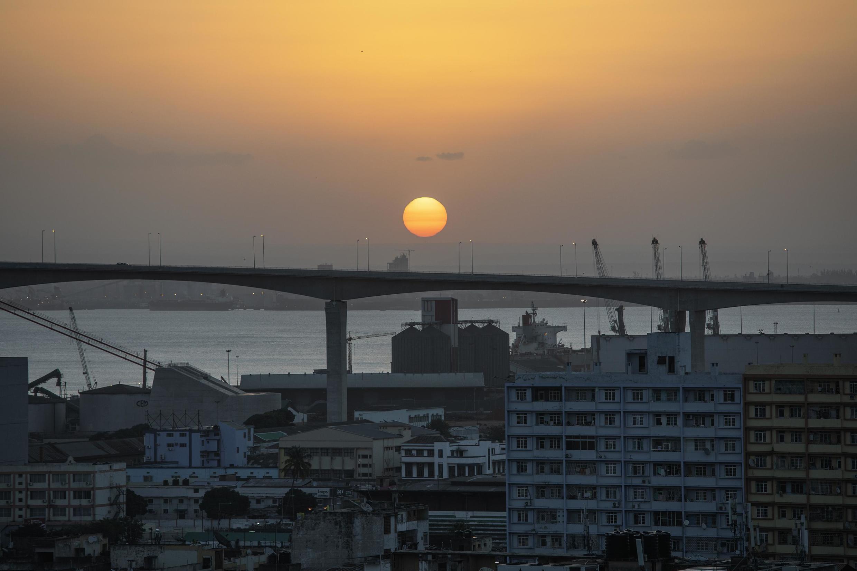 Ponte Maputo-Catembe, o mais importante eixo rodoviário da capital moçambicana.