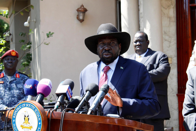 Salva Kiir baada ya mkutano na Riek Machar ambapo wawili hao  walifikia makubaliano ya kuunda serikali ya umoja, huko Juba, Desemba 17, 2019.