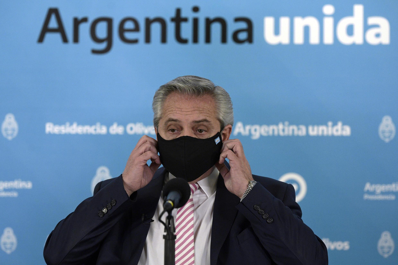 Tổng thống Achentina Alberto Fernandez loan báo hợp tác với Mêhicô để sản xuất và phân phối vac-xin ngừa covid-19. Ảnh chụp tại Buenos Aires, ngày 12/08/2020.