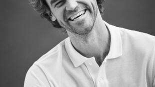 Guga competiu no circuito internacional durante 12 anos e conquistou o torneio de Roland Garros três vezes.