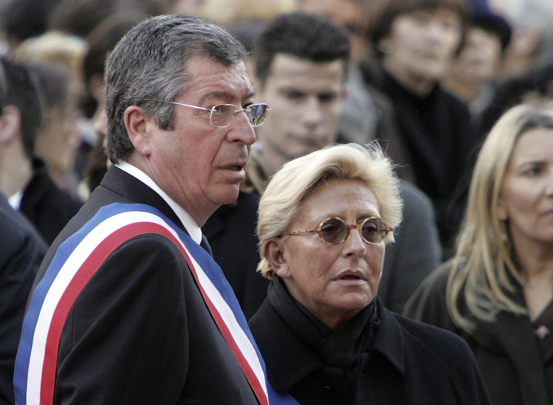 乐瓦卢瓦入狱市长巴尔卡尼及其妻子伊莎贝尔2009年3月照片