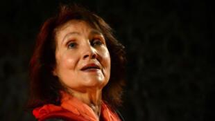 Michèle Bernard.