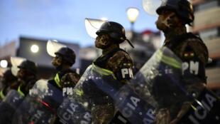 Militares desplegados en La Paz el 17 de octubre de 2020, en la víspera de las elecciones generales de Bolivia