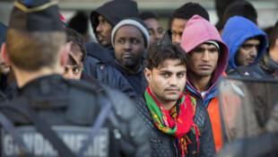 Мигранты на северо-востоке Парижа, 2 мая 2016 года