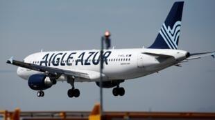 Un Airbus A320 da Aigle Azur quando aterrava no aeroporto  de Orly  no dia  6  de Setembro de 2019.