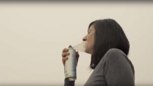 Vitality Air mostra às vantagens de seu oxigênio em garrafas eficaz tanto nos lugares poluídos como também para uma melhor recuperação esportiva.