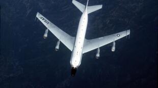 Ảnh minh họa: Một phi cơ do thám RC-135 của Không Quân Mỹ.