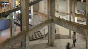 Novas galeiras subterrâneas do Palais de Tokyo, em Paris, dedicadas à arte contemporânea.