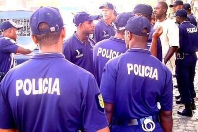 Corpo policial em S. Tomé e Príncipe, com a devida vénia aos colegas do jornal do luxemburgo