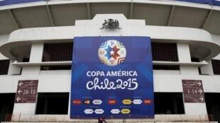 A Copa América 2015 acontece no Chile.