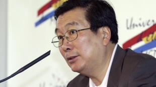 André Chieng, le président du Comité France-Chine animait le débat au Tiger Forum.