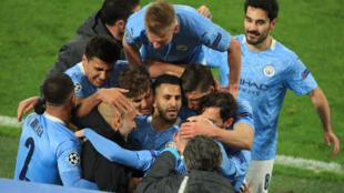 Manchester City sun zama zakarun gasar Firimiyar Ingila ta bana.