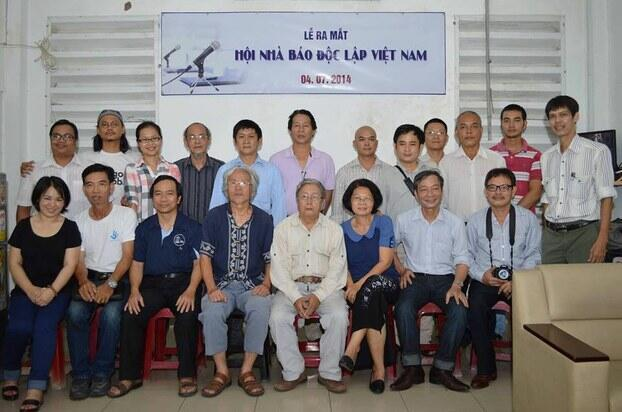 Buổi họp ra mắt Hội Nhà báo Độc lập Việt Nam.