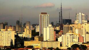 Emissão de gases do efeito estufa durante a Copa pode piorar a já baixa qualidade do ar em cidades como São Paulo (foto)