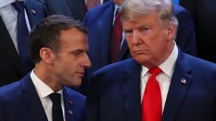 Tổng thống Emmanuel Macron (T) và tổng thống Donald Trump tại thượng đỉnh G20 ở Buenos Aires, Achentina 2018.