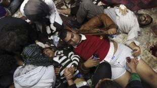 یک بیمارستان سیار در نزدیکی میدان تحریر