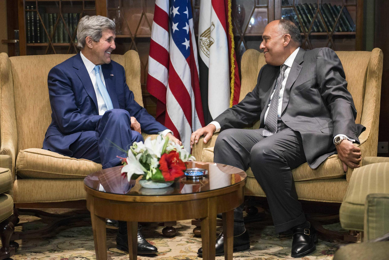ملاقات جان کری- وزیر امور خارجه آمریکا با همتای مصری اش- سامح شکری، در قاهره. اول تیر/ ٢٢ ژوئن ٢٠١٤