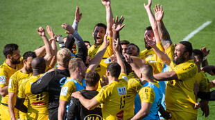 Les joueurs de La Rochelle fêtent leur qualification en  finale de la Coupe d'Europe après leur victoire sur le Leinster en demi-finale, à domicile, le 2 mai 2021