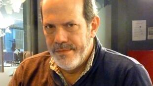 Gino Ceccarelli en los estudios de RFI