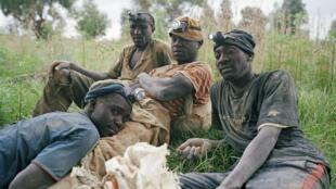 Katibu Mkuu wa UNCTAD, Mukhisa Kituyi amesema kuwa mzunguko huo haramu wa fedha kutoka barani Afrika, unawaibia Waafrika na kuifanya dunia kukosa imani kwa taasisi za Afrika, huku Waafrika wengi wakiendelea kuwa maskini na kushindwa kupata mahitaji muhimu