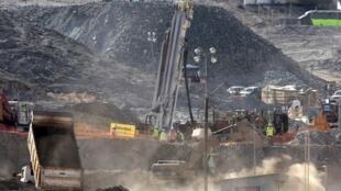Operação de resgate em curso para salvar os 33 mineiros soterrados.